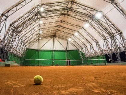 Illuminazione campo da tennis<br />Prodotto: Urano S<br />Lecce, Italia | 2015