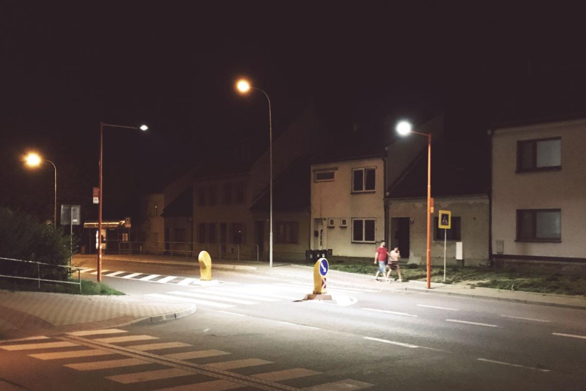 Illuminazione attraversamento pedonale brno. repubblica ceca
